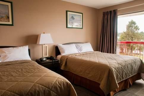 pier-side-landing-two-beds-room