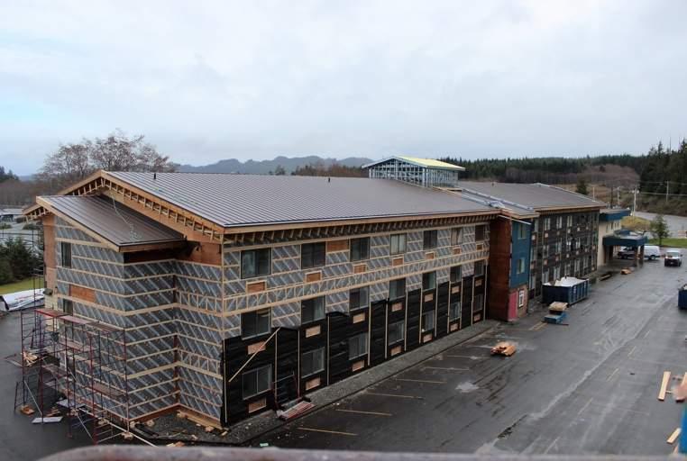 kwalilas-hotel-building-exterior